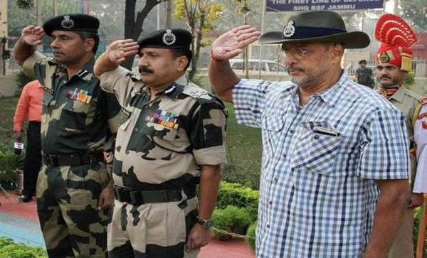 नाना पाटेकर ने नोटबंदी पर किया नरेंद्र मोदी का  समर्थन- कहा क्या देश की जनता  10-20 दिन की तकलीफ नहीं सह सकती ?